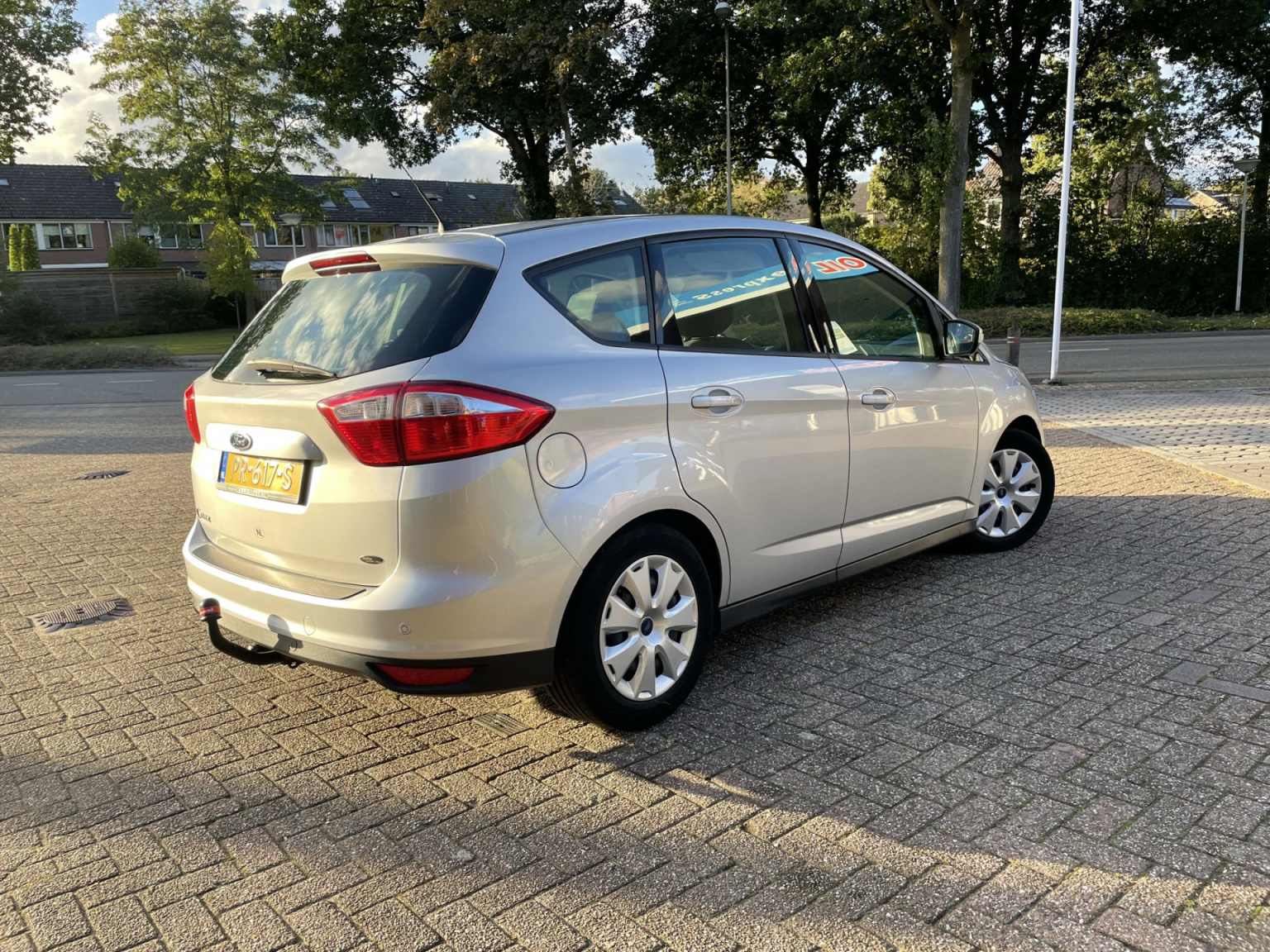 Ford-C-MAX-25