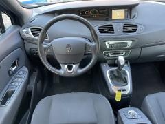 Renault-Grand Scénic-10