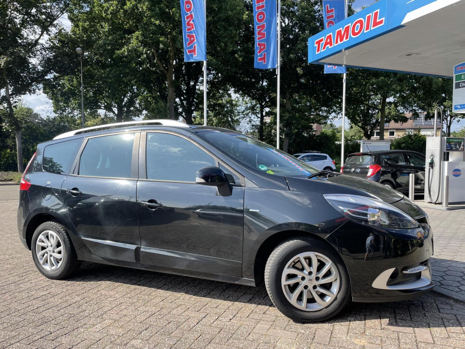 Renault-Grand Scénic-2