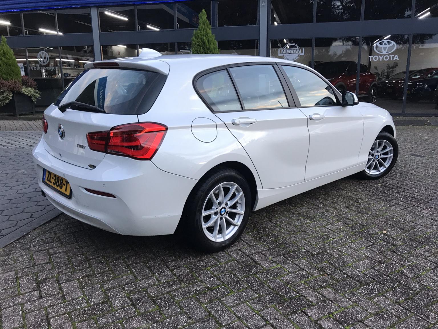 BMW-1 Serie-30