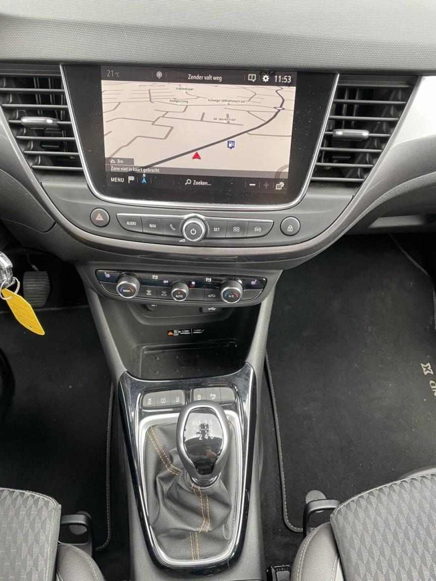 Opel-Crossland X-11